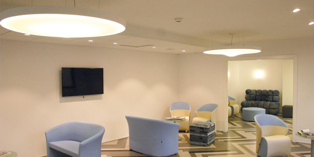 Salle d'attente - Spots blanc chaud et Pétale acoustique